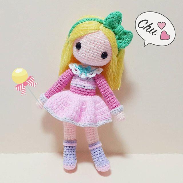 Victoria 2일만에 후다닥 만들어진 아이ㅎㅎ 완젼 핑쿠핑쿠한게 소녀스럽다 히힛 인제 바비랑 놀아쥬야지!ㅋ . . . #crochet#amigurumi#뜨개질#haken#cotton#by_me#knitting#kawaii#crochetlove#wool#craft#yarn#iloveit#코바늘#ganchillo#handcraft#pattern#madebyme#adorable#custom#손뜨개#취미#crochetdoll#코바늘인형#손뜨개인형#인형#귀요미#핸드메이드#victoria