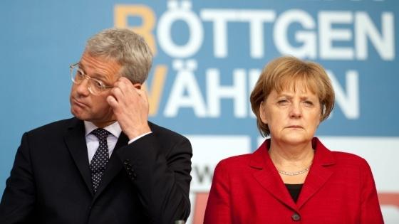 Röttgen, Merkel und die NRW-Wahl  Merkels Sargnagel heißt Norbert  ... sagt die SZ    Mit Anstand verlieren, so lautete der Auftrag, den Kanzlerin Angela #Merkel ihrem Umweltminister Norbert #Röttgen für den Wahlkampf in NRW implizit erteilte - doch nicht einmal danach sieht es derzeit aus. (© dpa)