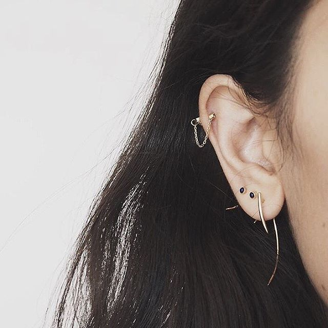 IVY & LIV - Beautiful @annanooshin definitely knows how to decorate an ear.. Make it a party every day!  #ivyandliv #annanooshin #fireflylapis #fireflyspikelarge