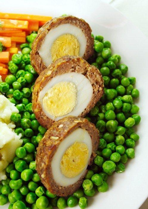 Яйца по-шотландски со свиным фаршем