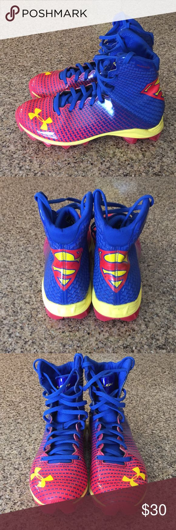 Under Armour youth football cleats 5Y Good used condition,See all pictures.Superman Highlight. Under Armour Shoes