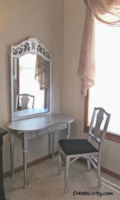 CreateLivity is...: Vanity Table From Mismatched Furniture