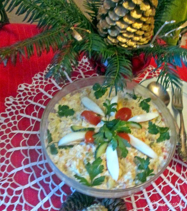 Gosia gotuje: Sałatka jarzynowa ze świeżym ogórkiem