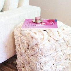 Alguns projetinhos de diy (faça você mesmo) ganham meu coração. O meu amor do momento é o projetinho diy: flores feitas de papel.