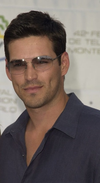 Eddie Cibrian and those dimples!