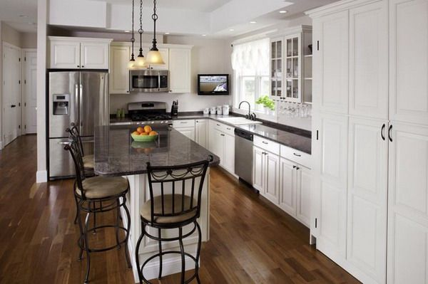 WHite L-shaped Kitchen Design with Dining Table and Chairs ...