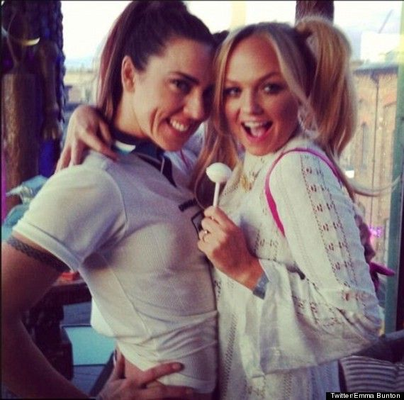 Mel C & Emma Bunton dress up as Sporty & Baby (15 years later) Spice Girls time-warp!
