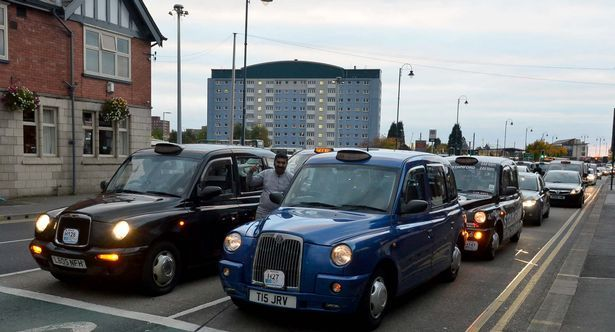 Tameside Taxis hold a Demonstration in Ashton town centre