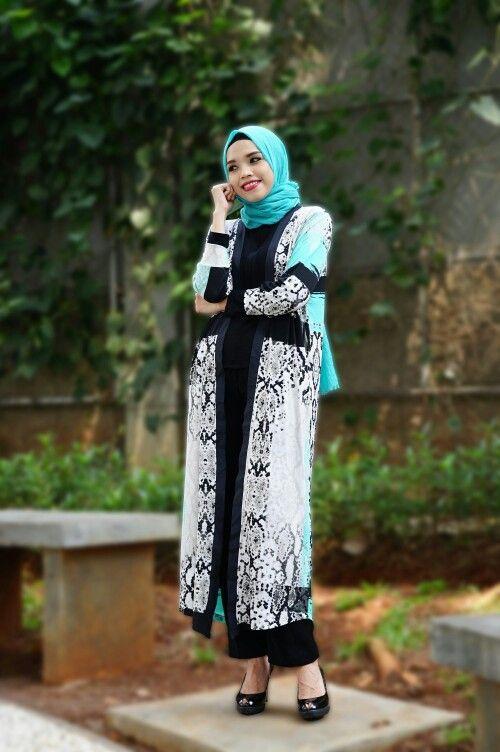 Follow Instagram : @mwfashionwear  MW Long Cardi Material : Jersey (Good Quality) Length : 127cm ALL SIZE Price : 165K  #LongCardi #HijabFashion #Ootd #mwfashionwear #mwfashionforward