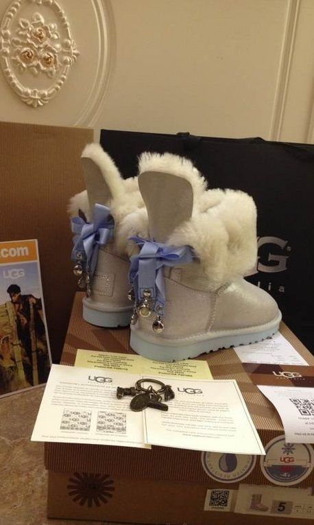 $118,cute stylish uggs boots in any styles you want!