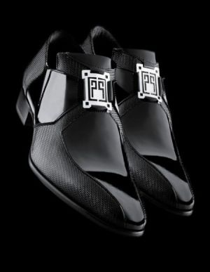 B Sapatos pretos carlo pignatelli showroom milano por jannyshere   – Arte fantasia