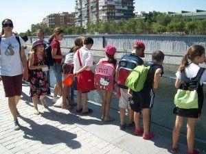 Campamentos de verano en inglés en Madrid Los chicos llevan todo el curso con las clases de inglés, un momento para divertirse en inglés, practicando el inglés mediante proyectos, juegos, dramatizaciones, excursiones por la ciudad, música, baile, manualidades.