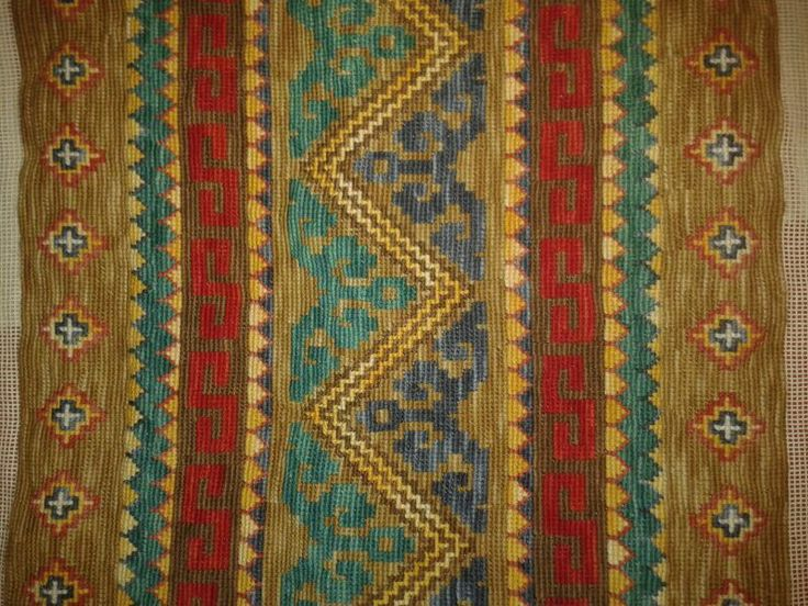 Geometric design, Cross stitch with wool! https://www.facebook.com/taller.amas.veritas