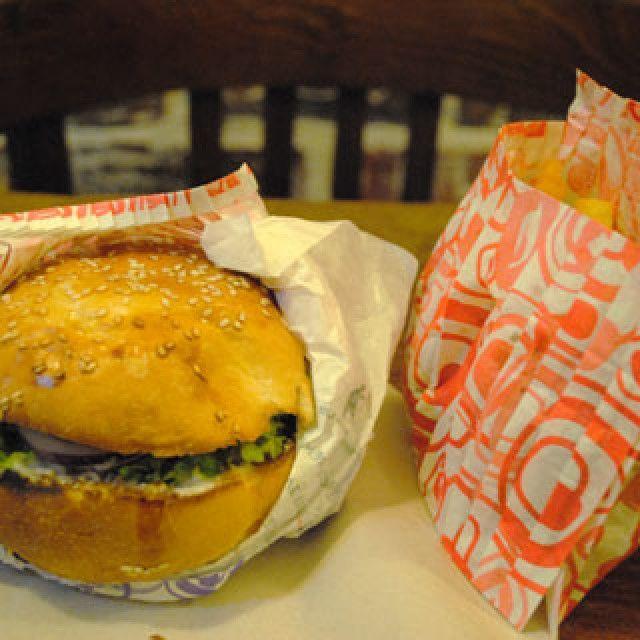 Veggie Burger à l'East side burger 60 bvd voltaire