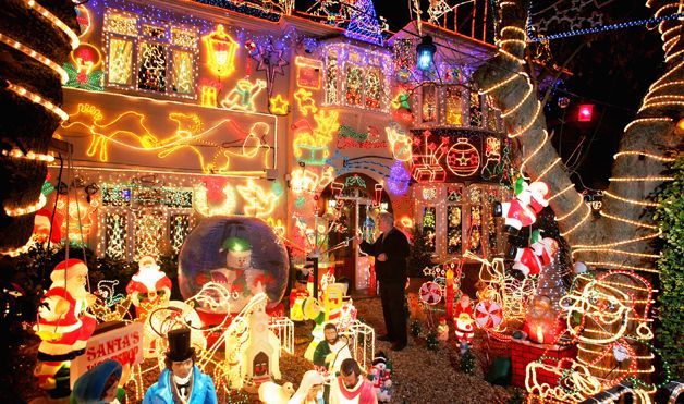 In the market town of Melksham, England, Alex Goodwind's home is transformed every year thanks to his holiday spirit.