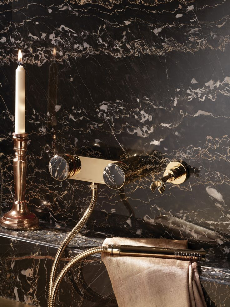 Texture Collection - Meneghello Paolelli Associati design #fimacarlofrattini #fmacf #texturecollection #bathroom #rubinetteria #design #faucet #esternodoccia #exposedshowertap #gold #luxury
