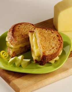 Grilled Havarti Sandwich with Spiced Apples | deliciousness ...