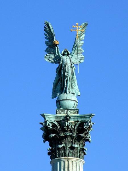 Statue of Archangel Ga...