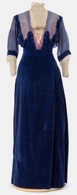 Blue corduroy suit (without jacket), by dressmaker Caroline Mundahl, American (St. Paul), ca. 1912-15.