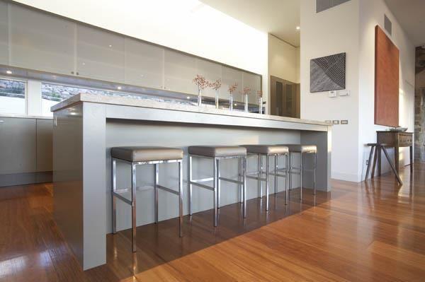Kyneton Residence - MR. MITCHELL Kitchen Interior Design by MR. MITCHELL