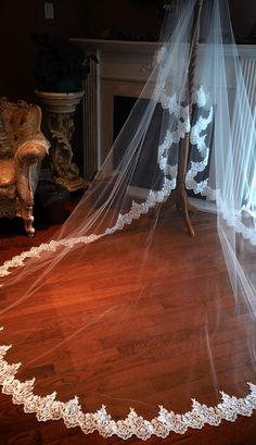 Lace drop veil cathedral mantilla one tier drop by hollyxholly