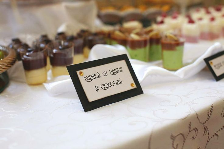 Chocolate and vanilla pudding - handmade tags for a special candy bar  Photo: Szasz Csilla