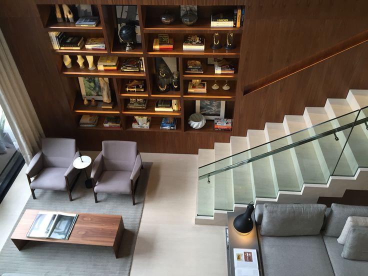 Lobby do hotel Nomaa em Curitiba