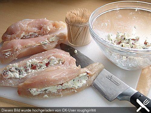 Gefüllte Hähnchenbrust, ein beliebtes Rezept aus der Kategorie Geflügel. Bewertungen: 10. Durchschnitt: Ø 4,3.