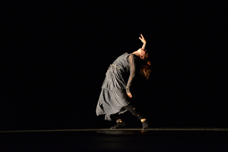 """2° Lugar - Dança Contemporânea - Solo Feminino - Avançada.   Grupo de Dança e Expressão do Teatro Municipal Pedro Ângelo Camin (SP), com a coreografia """"Um Dia"""". Crédito: Dashmesh Photos/Claudia Baartsch"""