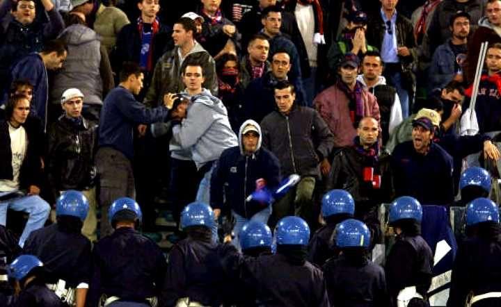 Denunciati cinque tifosi, durante Ternana-Brescia avevano tentato di aggredire tifoseria ospite