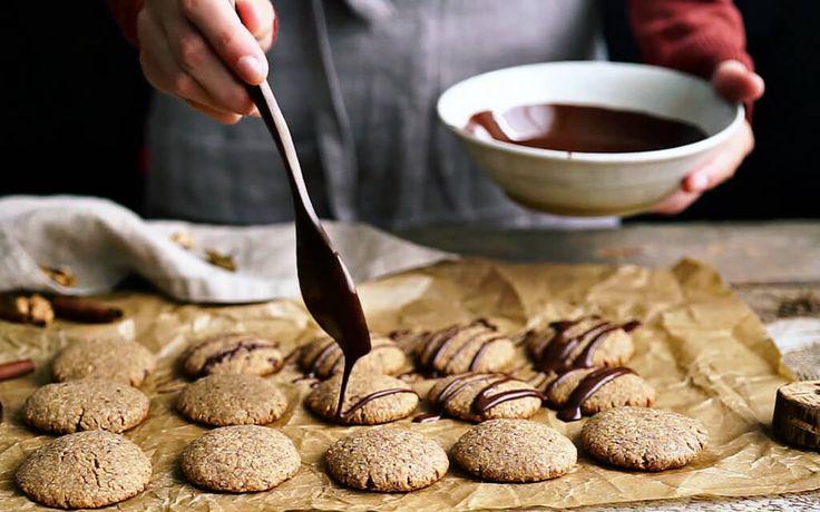 Cookies do práce, na výlet alebo len tak pre potešenie. Zdravé, jednoduché a rýchle sušienky z ovsených vločiek, ktoré sú navyše veľmi chutné.