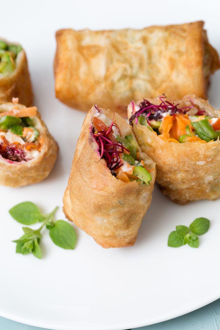 Involtini di pasta fillo fritti alle verdure: il tocco in più per il tuo aperitivo homemade.  [Vegetarian fried rolls]