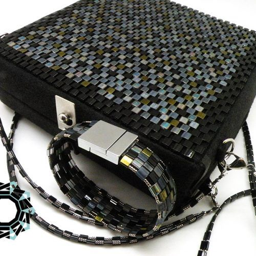Square mosaic purse / Kwadratowa torebka z mozaiki by Tender December More: http://tenderdecember.eu/ladowniki/square-mosaic-purse-kwadratowa-torebka-mozaiki/ To buy: http://tenderdecember.eu/shop/produkt/square-mosaic-purse-kwadratowa-torebka-z-mozaiki/