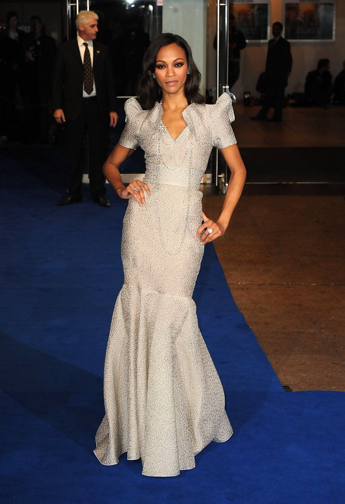Zoe Saldana attends the World Premiere of Avatar at Odeon Leicester Square on December 10, 2009 in London, England.