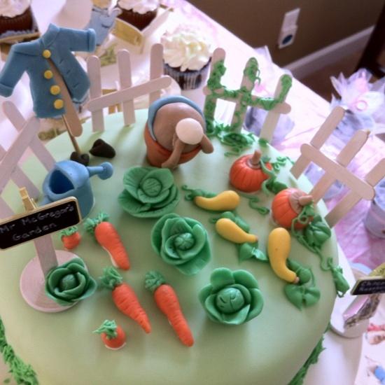 Gorgeous detail on Peter Rabbit Cake