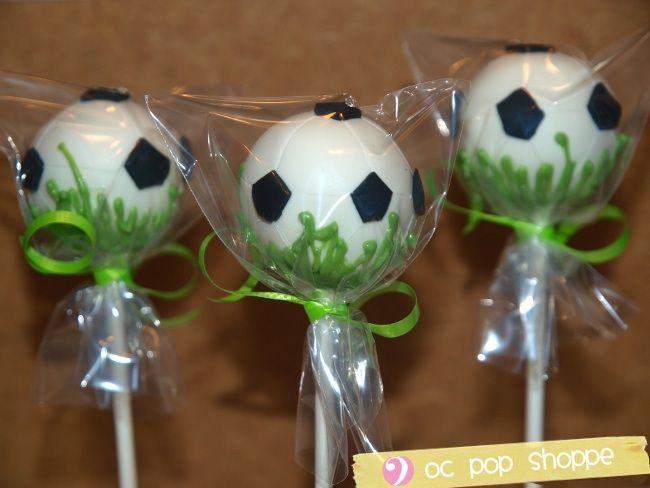 17 best ideas about soccer ball cake on pinterest soccer cake pops soccer cake and soccer cakes. Black Bedroom Furniture Sets. Home Design Ideas