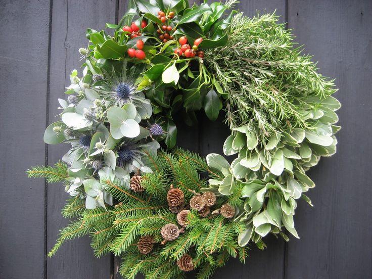 Christmas Deco €50 Μεσαίο Γιορτινό Στεφάνι .Για στολισμό πορτας εισόδου .