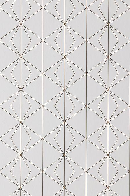 En tapet i non-woven materiale. Hver rull er 10,05 m. Bredde 53 cm. Mønstertilpasset 13,25 cm. Made in Sweden. Non woventapeter gjør tapetseringen enklere ved at du stryker limet direkte på veggen og deretter setter opp tapeten. Et vevlim skal brukes forsi et vanlig tapetlim er laget for papirtapeter. Her på Ellos kan du kjøpe et perfekt matchende vevlim!