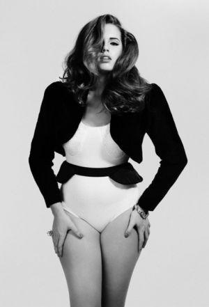 Curvalicious - plus size fashion - Bree Warren for Recognize Magazine.png