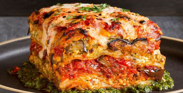 Voluptuous Roasted Vegetable Vegan Lasagna With Puttanesca Sauce http://inourishgently.com/roasted-vegetable-lasagna/