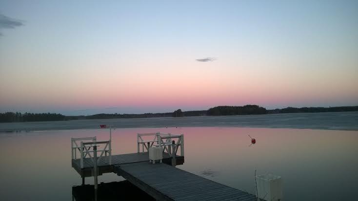 Our house is for sale - Talomme on myytävänä Puruveden äärellä 50 m rantaa Tontti 1 700 m² Asuinpinta-ala 154 m² Hintapyyntö 462 000 € Etsitkö itsellesi uutta kotia järven rannalta? Täältä voi löytyä unelmiesi kohde. Puruveden rannalla Punkaharjulla! Omaa rantaviivaa 50 m, talosta 15 m järveen! www.pinterest.com/houseforsalefin Ota yhteyttä Mahkonen p 358 50 2504 #Punkaharju #Suomi #Finland #talo #house #forsale #talomyytävänä#aamu #morning #Puruvesi #spring