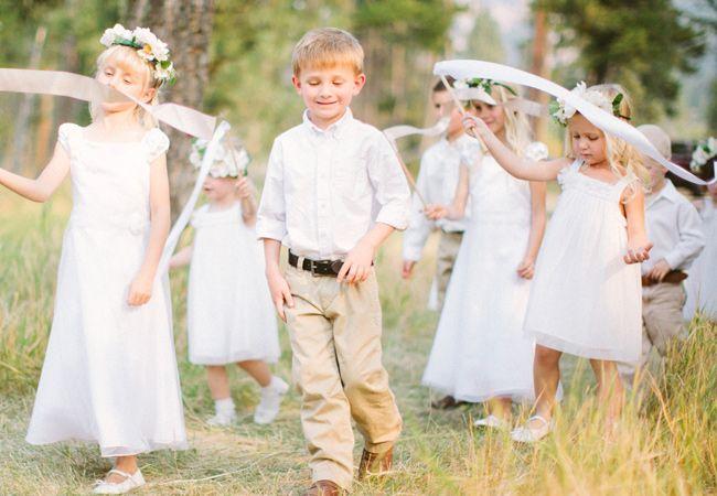 Waarom zouden jullie voor één Bruidsmeisje kiezen? Alle neefjes, nichtjes en kindjes van jullie zelf of vrienden vinden dat leuk!