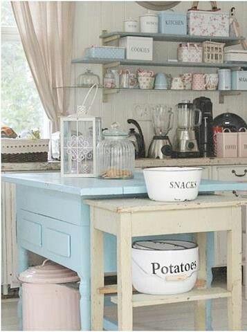 Great vintage kitchen!!!
