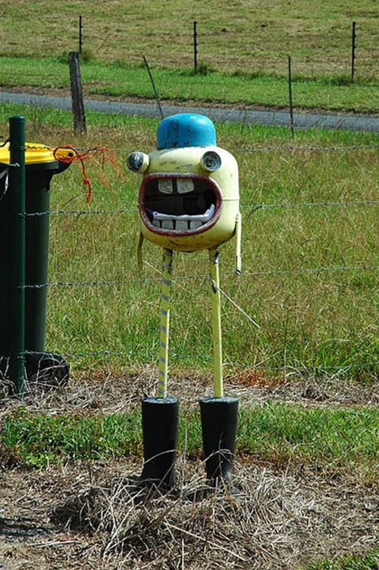 20+ Unique and Creative Mailboxes: Odd Mailbox, Unique Mailbox, Fun Mailbox, Funny Mailbox, Mailbox Design, Creative Mailbox, Mail Boxes, Letters Boxes, Mail Call
