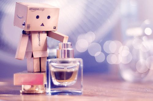 Amazon Box Robot: perfume !