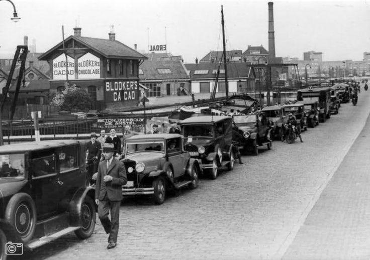 De Omval achter het Amstelstation in Amsterdam-Oost, 1933