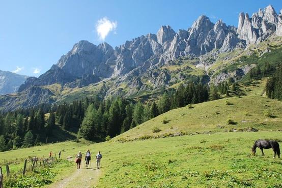 Welkom in het mooiste stukje Oostenrijk: de Hochkönig in het Salzburgerland. Perfect voor een wandelvakantie! #Oostenrijk #reis #wandelen