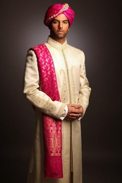 An Indian Groom with Beautiful Bandhgala and Pink Turban and Dupata. #Indian #Fashion #WomenTriangle www.womentiangle.com