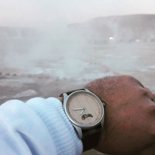 Castor Dual en los Géiseres del Tatio  gentileza de Mario Jiliberto. Ven por el tuyo en www.castor-watches.com Whatsapp: 56994033705  envío gratis en todo #chile #castorwatches #castordual #reloj #relojes #watch #watches #sanpedrodeatacama #geyser #geiserdeltatio #accesorios #woodenwatches #relojesdemadera