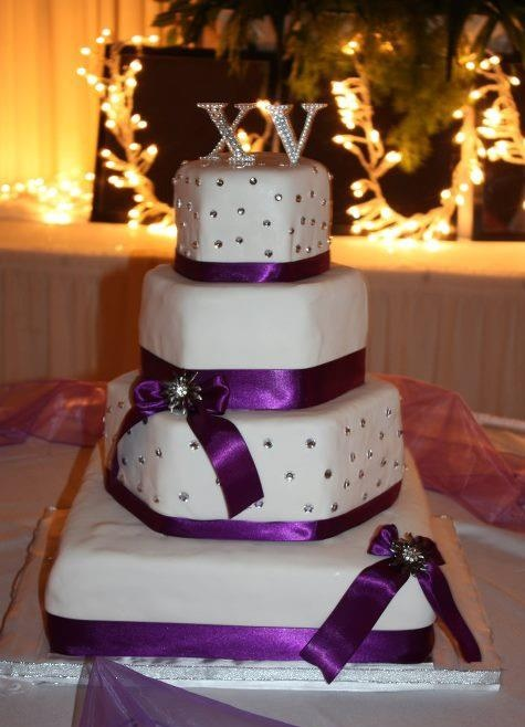 purple and white 15 anos cake